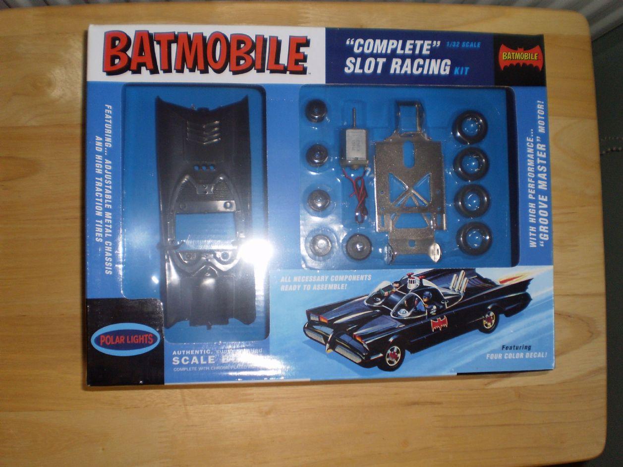POL883/12 1/32 1966 TV Batmobile Slot Car Race Kit