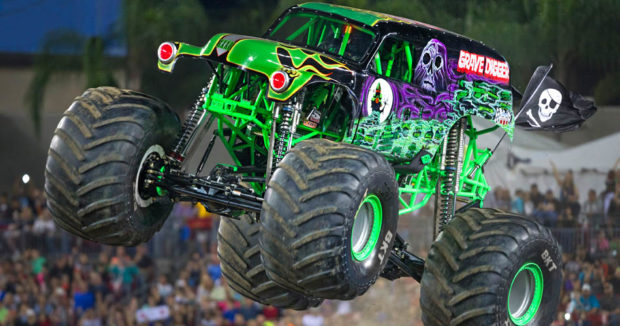 Axial Grave Digger Monster Jam Truck 4WD, AX90055 1/10 ...